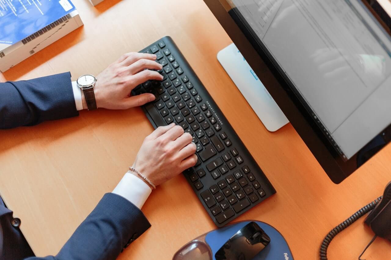 Capa do artigo sobre digitalização para profissionais autônomos